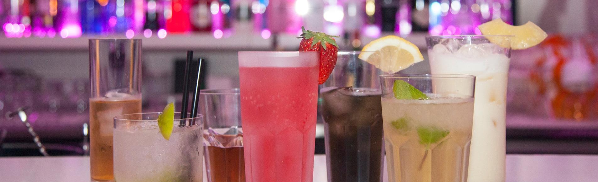 Découvrez notre gamme de verres en plastique incassable pour professionnels et particuliers